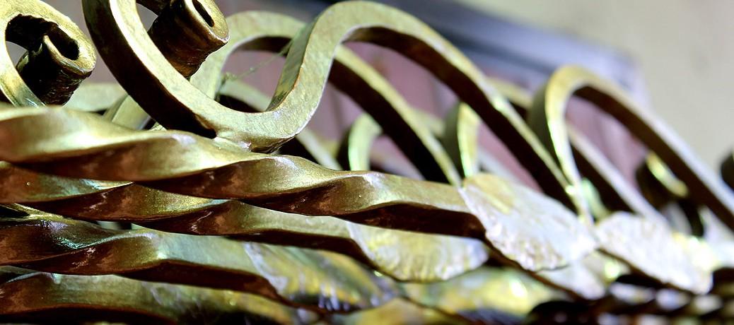 Búcsúszentlászló bronz kalapácslakk keretei…